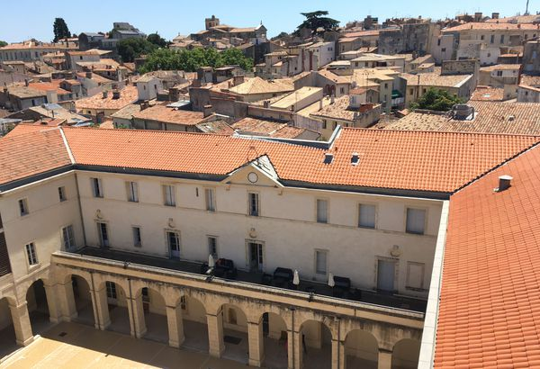Le couvent des Ursulines est un couvent du XVIIᵉ siècle restauré qui accueille depuis 2010 l'Agora, la cité internationale de la danse dans le centre historique de Montpellier.
