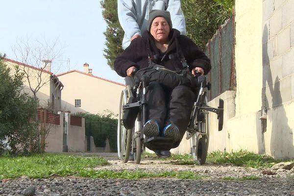 """""""Je n'en peux plus. J'ai mon cancer. C'est terrible."""" Françoise, 60 ans, est sans domicile fixe depuis une quinzaine d'années à Perpignan."""