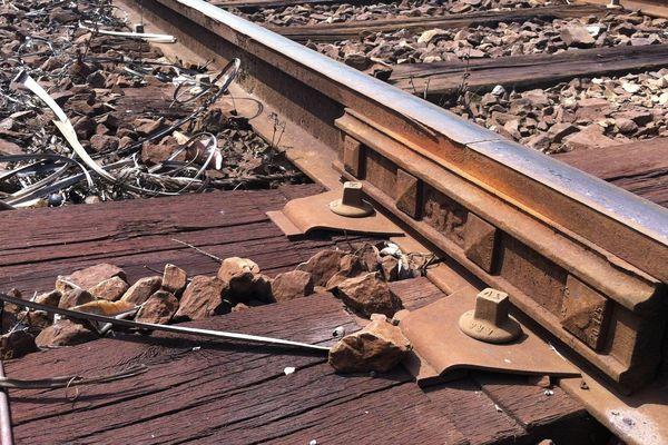 Eclisse (SNCF) - Pièce de jonction entre deux rails