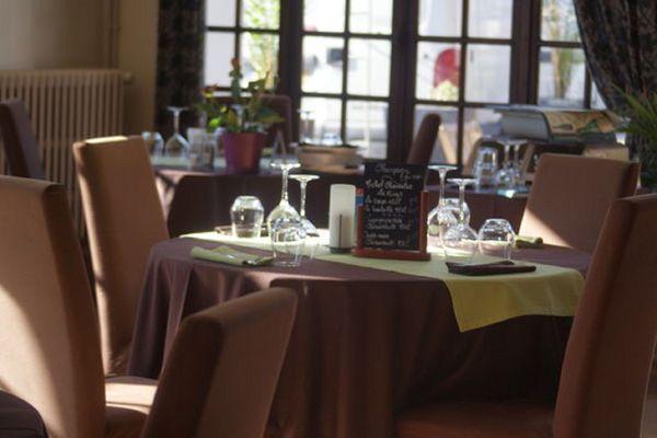 La salle fermée, du restaurant gastronomique l'Auberge sans nom, depuis le 4 novembre 2020, date du début du second confinement.