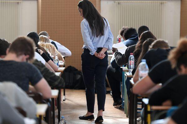 La semaine d'épreuves redoutée par tous les élèves de terminale va être allégée.
