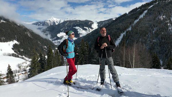Axelle et Laurent, le temps d'une randonnée à ski dans le Beaufortain.