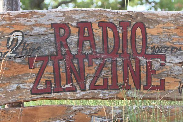 Radio Zinzine a été créée en 1981 à la grande époque des radios libres en France.