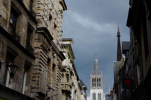 Selon la préfecture de Seine-Maritime, jusqu'à 15 mm de pluie sont prévus sur l'agglomération rouennaise.