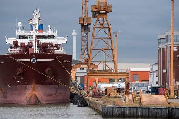 90 % du commerce mondial emprunte la voie maritime.