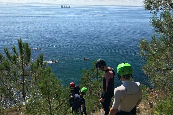 Coasteering : vue sur la baie de Douarnenez