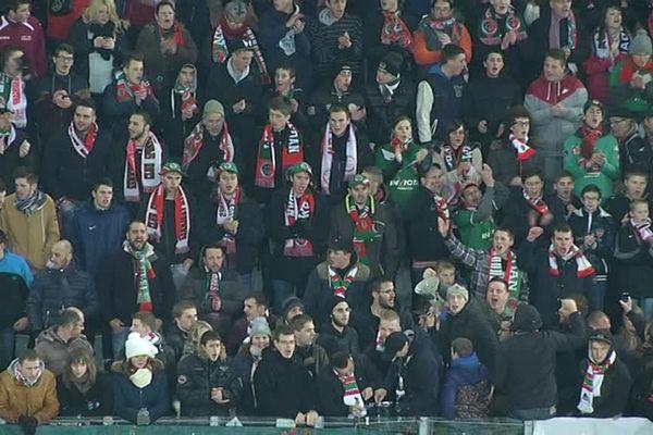 Ils étaient plus de 9000 supporters, samedi soir au stade Dugauguez à Sedan, venus encourager leur équipe.