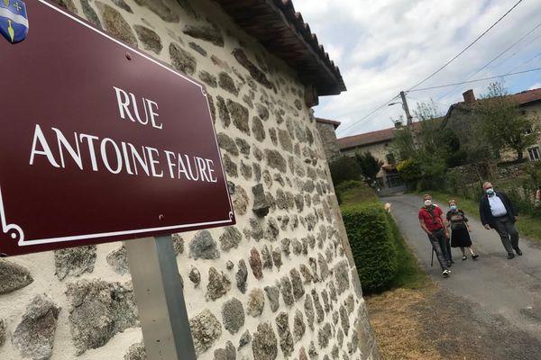 Antoine Faure, Rosalie Maurin, Raymond Teyssier,... ces noms ne vous disent certainement rien mais à Félines, ce sont des habitants qui se sont illustrés par leurs actes, leur personnalité. Les rues du petit bourg de Haute-Loire portent désormais leurs noms.