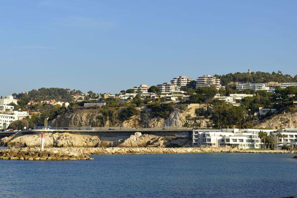 La base nautique du Roucas Blanc à Marseille accueille cette semaine les mondiaux de voile Jeunes... avant les JO 2024.