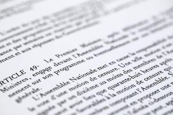 La question de l'utilisation de l'article 49-3 par le gouvernement d'Edouard Philippe divise les députés du Puy-de-Dôme.