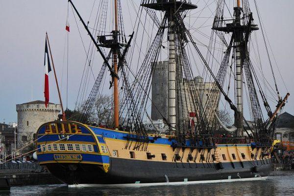L'Hermione, le 22 février 2015, lors de son arrivée dans le vieux port de La Rochelle.