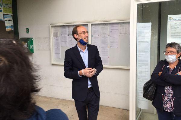 Thibault Berchkoff a remporté les élections municipales à Dolus-d'Oléron. Il a battu le maire sortant Grégory Gendre.