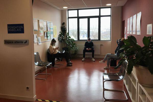 Le Service de santé universitaire de Tours sur le site du Plat d'Etain reçoit les étudiants en détresse psychologique rapidement.