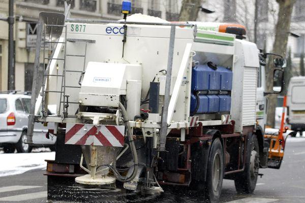 Les engins de salage sont entrés en action sur l'ensemble de la région Champagne-Ardenne, en ville, comme sur le réseau principal.