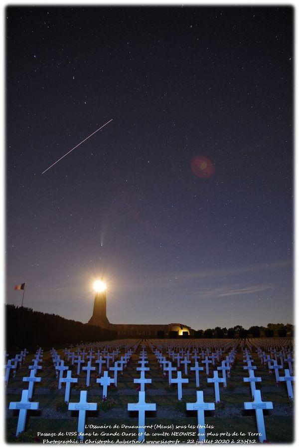 La ligne c'est l'ISS , la comète pointe vers l'ossuaire de Douaumont. 22 juillet 23h32.