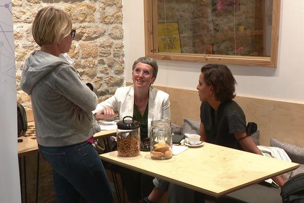 Les partis socialistes, communistes et LFI ont rejoint officiellement EELV pour le 2e tour des élections régionales en Auvergne-Rhône-Alpes, lundi 21 juin.