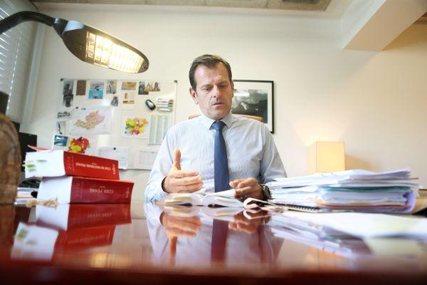 """""""Le défaut de vigilance sur des signes avant-coureurs est toujours collectif et doit interroger la société dans son ensemble"""", écrit le procureur de la République de Draguignan, Patrice Camberou."""