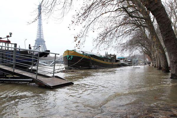 La Seine en crue, en décembre 2010 (illustration).
