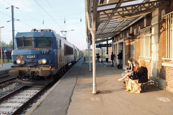 Chaque jour, 1230 Transport express régional (TER) circulent dans les Hauts-de-France. En 2019, 12% d'entre eux sont arrivés en retard.