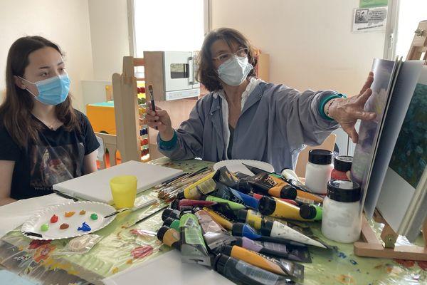 Atelier de peinture à l'hôpital d'Angoulême