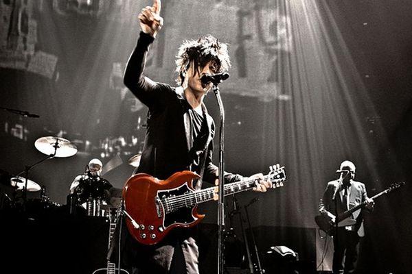 """Le groupe Indochine pendant le """"Meteor tour"""" en 2009."""