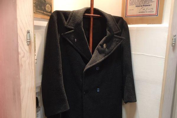 Manteau du Général de Gaulle offert par sa cuisinière