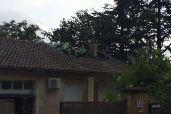 Les pompiers de Viviers ont éteint l'incendie qui s'est déclenché en l'absence des propriétaires qui étaient en vacances