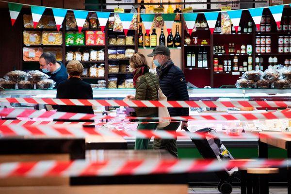 Avec l'annulation des marchés de Noël, les commerces vont faire une nouvelle fois les frais du covid. Photo d'illustration