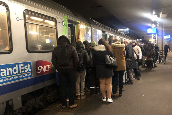 En gare de Mulhouse.