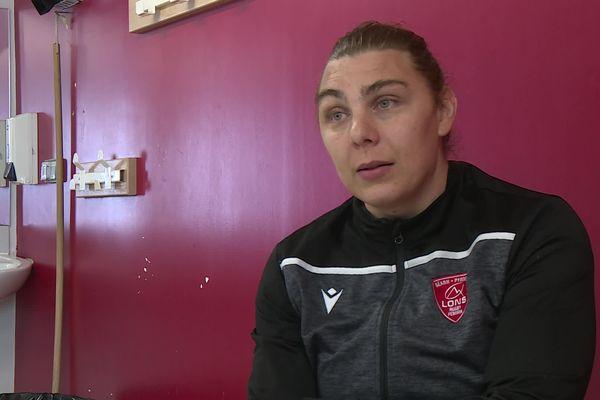 À 35 ans, Alexia Cérénys est troisième ligne centre du Lons Rugby féminin Béarn Pyrénées.