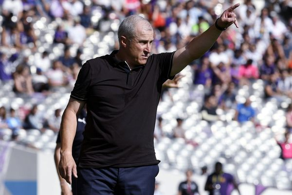 Alain Casanova lors du match TFC-Bordeaux samedi 5 octobre. L'entraîneur toulousain évoque le manque de confiance des joueurs