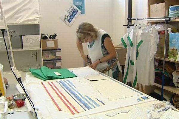 1000 blouses confectionnées dans cet atelier solidaire à Pontarlier