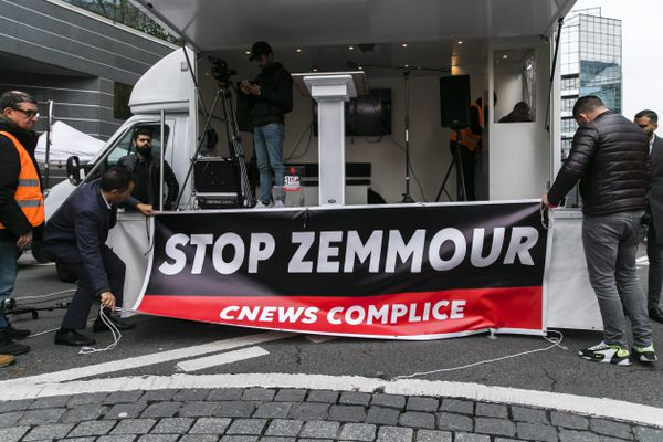 Rassemblement devant CNews le 2 novembre 2019.