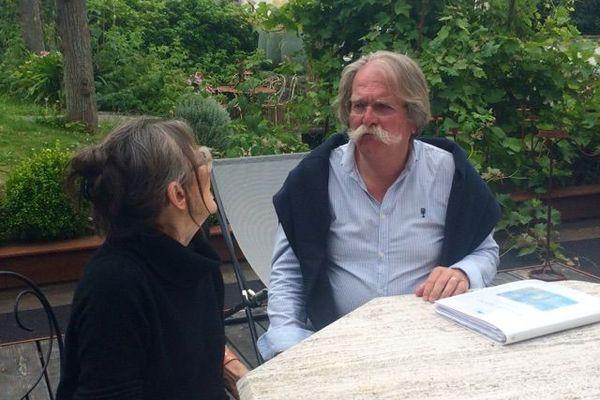 """Michel Bellin, ici avec sa femme, Monique : """"A l'angoisse de la maladie, s'ajoute désormais l'angoisse de ne plus avoir de traitement"""""""