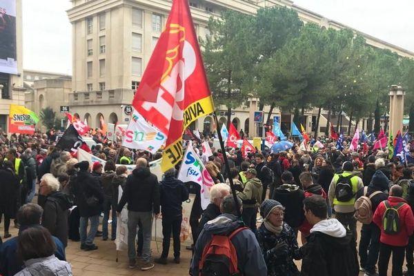 Avant le départ de la manifestation du 17 décembre 2019 contre la réforme des retraites à Montpellier