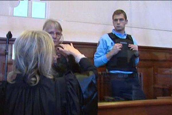 Jacqueline Sauvage condamnée à 10 ans de réclusion par la cours d'appel de Blois pour le meurtre de son mari