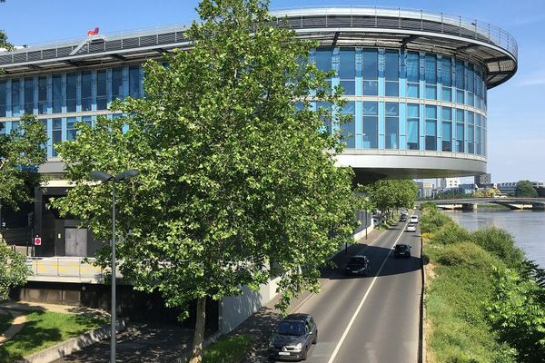 Les Urgences du CHU de Nantes quai Moncousu