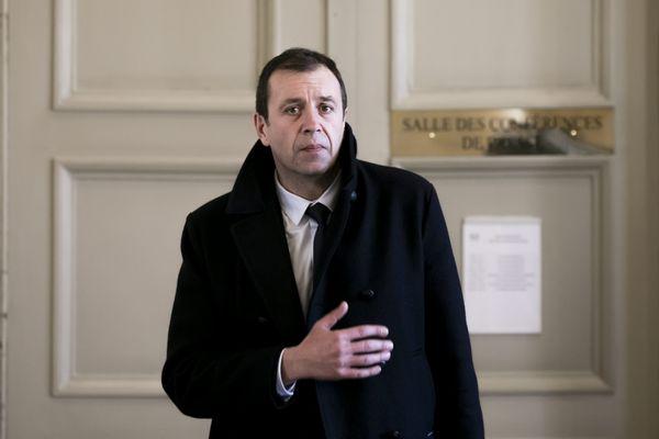 François Jolivet dans le salle des quatre colonnes à l'Assemblée Nationale