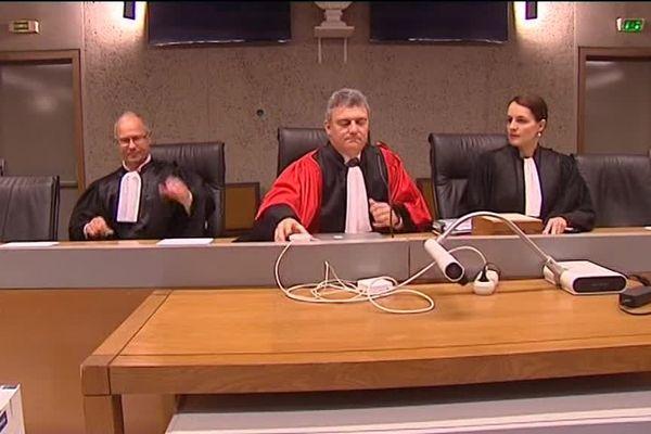 Le président de la cour d'assises du Var, où est jugée l'accusée