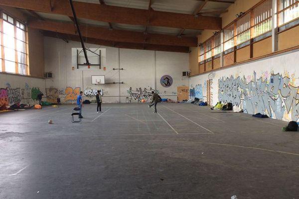 Le gymnase Jeanne Bernard à Nantes lors de l'arrivée des migrants le 27 octobre 2018
