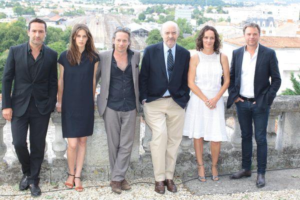 Angoulême : Jean-Paul Rappeneau entouré des actrices et acteurs de Belles Familles.