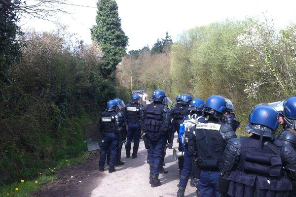 Les gendarmes mobiles sur le site de la ZAD le lundi 15 avril 2013