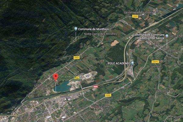 Le jeune homme se serait noyé dans le plan d'eau samedi 29 juin, son corps n'a pas encore été retrouvé.