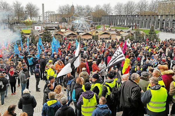 La manifestation contre la réforme à Brest le 5 décembre dernier avait rassemblé près de 8000 personnes