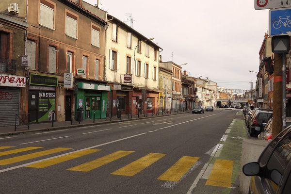 Avenue de Lyon, de nombreux immeubles sont désormais murés.