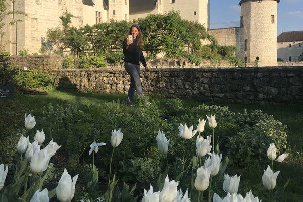 Caroline Laigneau déambule dans ses jardins en direct