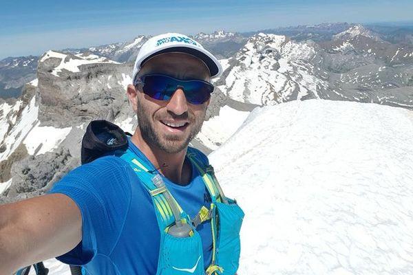 Le trailer Guillaume Beauxis en haut du Monte Perdido (3355 mètres), l'un de ses 3 objectifs du 25 juillet prochain.
