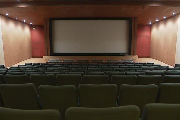 Les spectateurs pourront réinvestir les salles de cinéma à partir du 22 juin partout en France en respectant certaines mesures sanitaires.