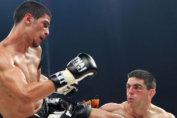 Youssef Boughanem se bat contre l'Australien Jason Lea en 2010, à Bangkok.