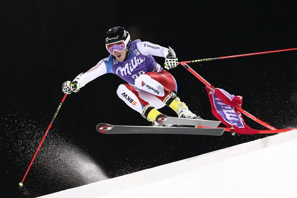 Cyprien Sarrazin s'impose et remporte la Coupe du monde de slalom géant de ski parallèle à Alta Badia en Italie, le 19 décembre 2016.